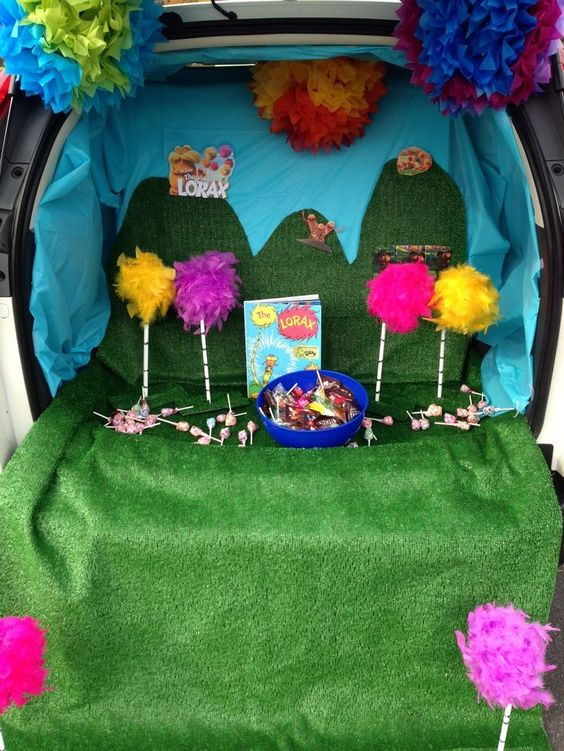 dr-seuss-trunk-or-treat