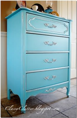 how to spray paint furniture in 5 easy steps tip junkie. Black Bedroom Furniture Sets. Home Design Ideas