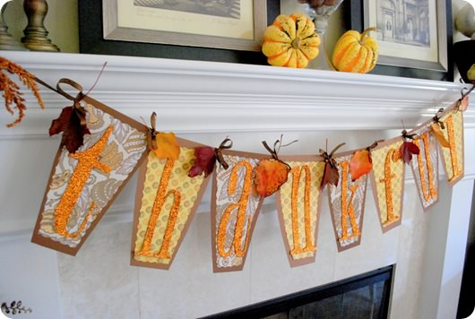 DIY Thankful Banner {Thanksgiving Decoration}