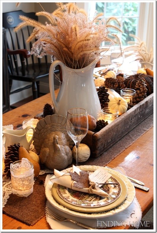 17 Thanksgiving Tablescapes