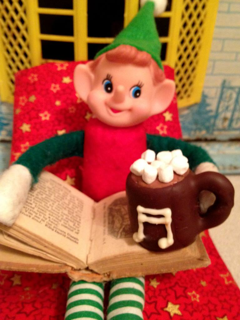 chocolate dipped marshmallow elf mugs 2448x3264.40
