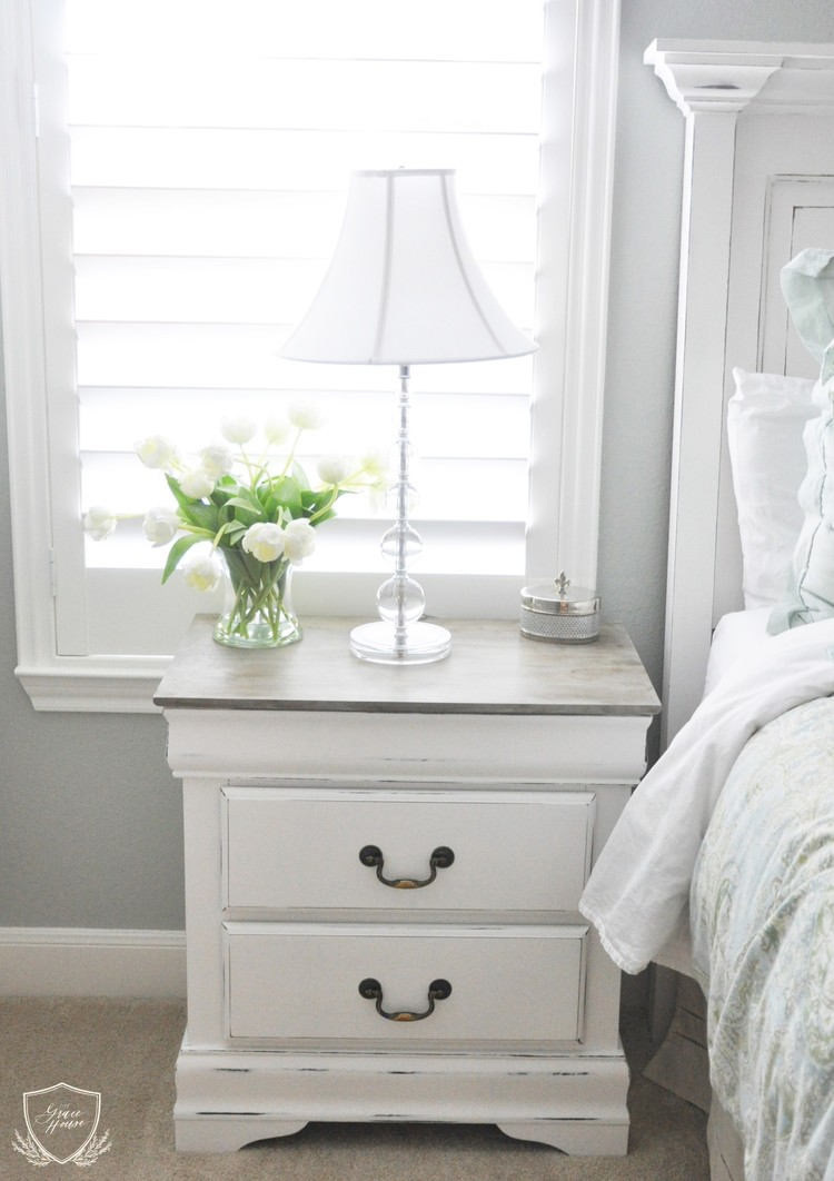 Nightstand Chalk Paint Tutorial