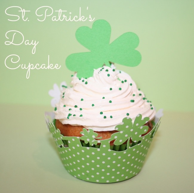 St. Patrick's Day Cupcake {paper craft}