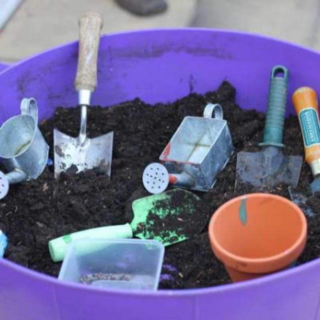 Planting and Digging Tub {Outdoor Preschool Activities}