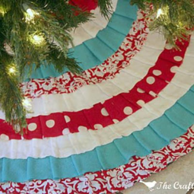 No Sew Ruffled Tree Skirt {No Sew Christmas Craft}