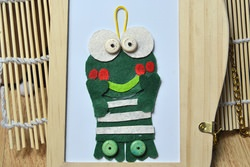 A Pattern for Making a Funny Frog Hanging Decoration