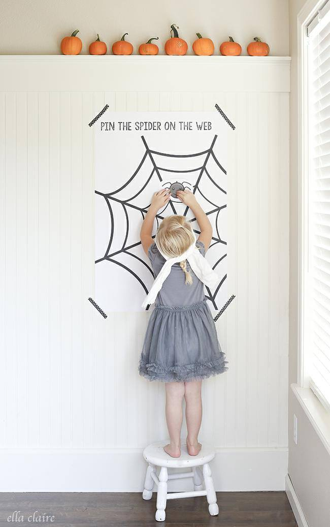 Pin the Spider on the Web {free printable}