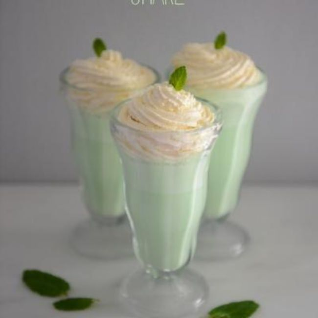 Homemade Shamrock Shake {St. Patrick's Day Drinks}
