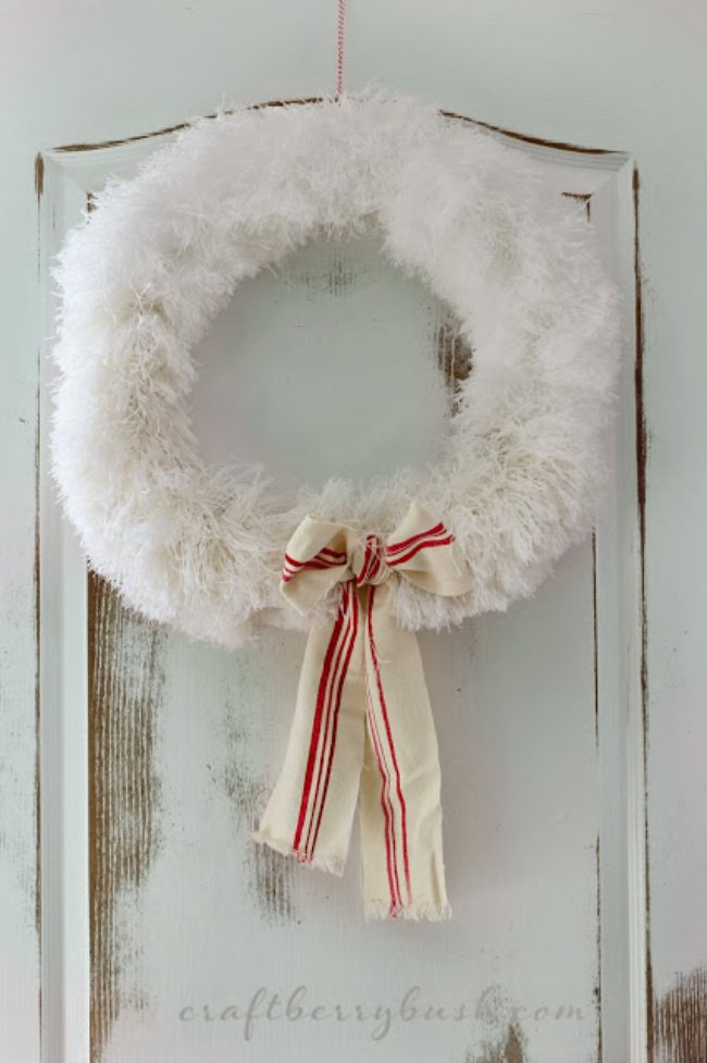 27 Holiday Wreaths to Make