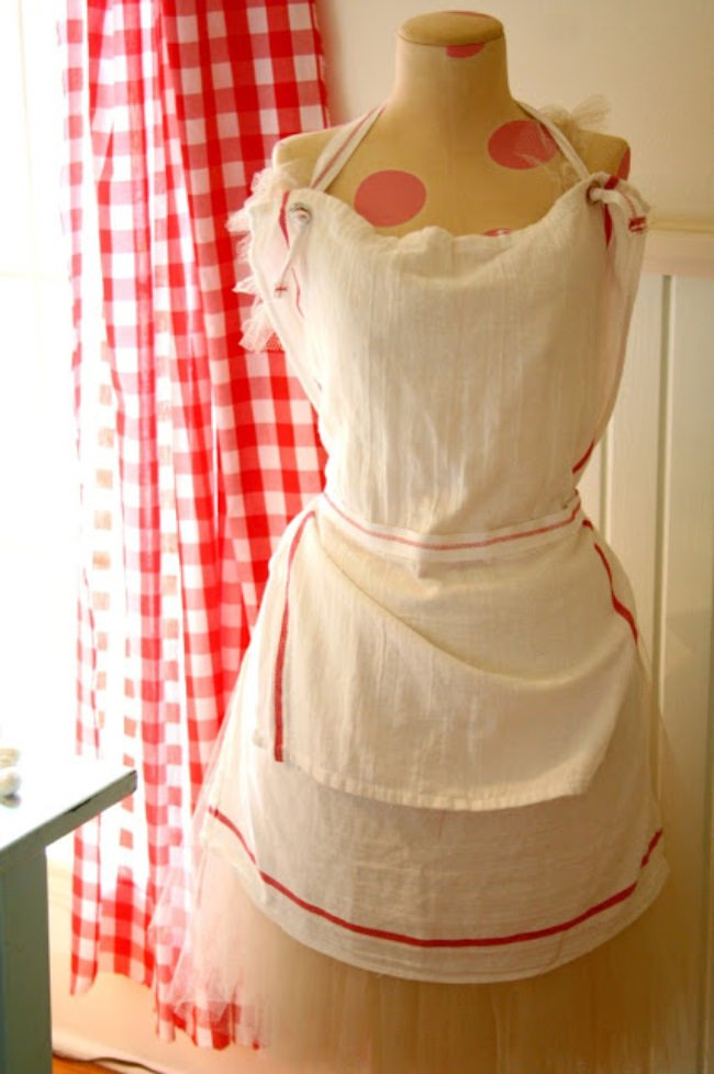 20 Lovely Apron Patterns to Make {how to}