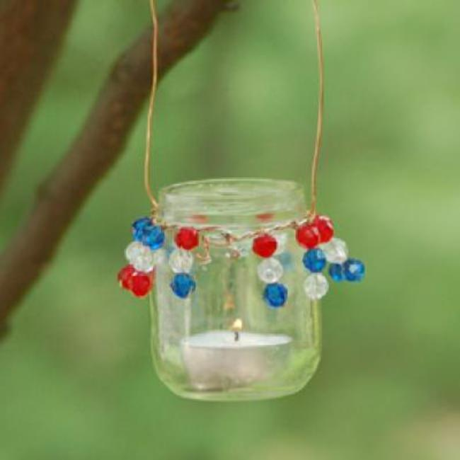 Patriotic Hanging Luminaries {DIY Decor}