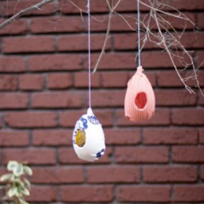 Plastic Egg Bird Feeders {Easter Leftovers}