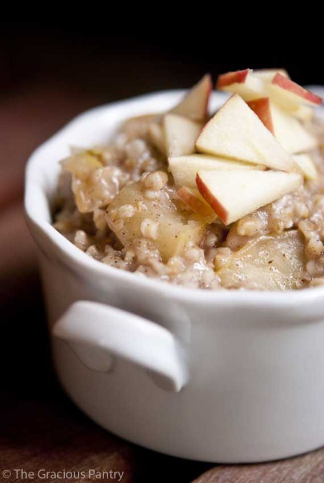 Clean Eating Apple Pie Oatmeal