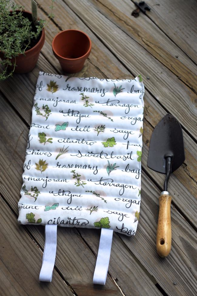 How to Sew a Garden Kneeling Pad