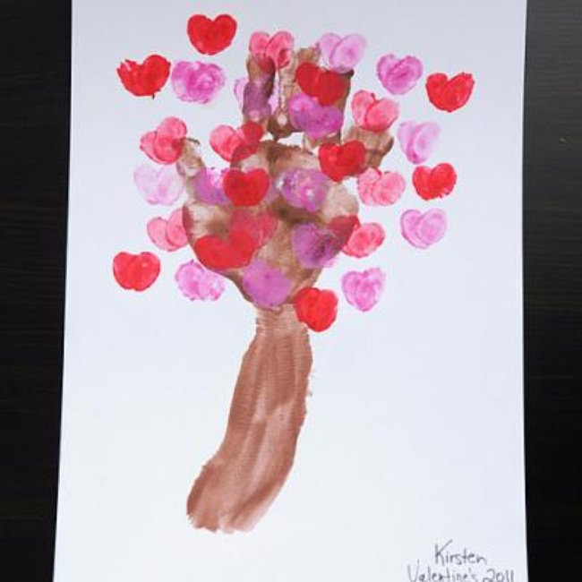 Love Blossom Tree {Valentines School Crafts}