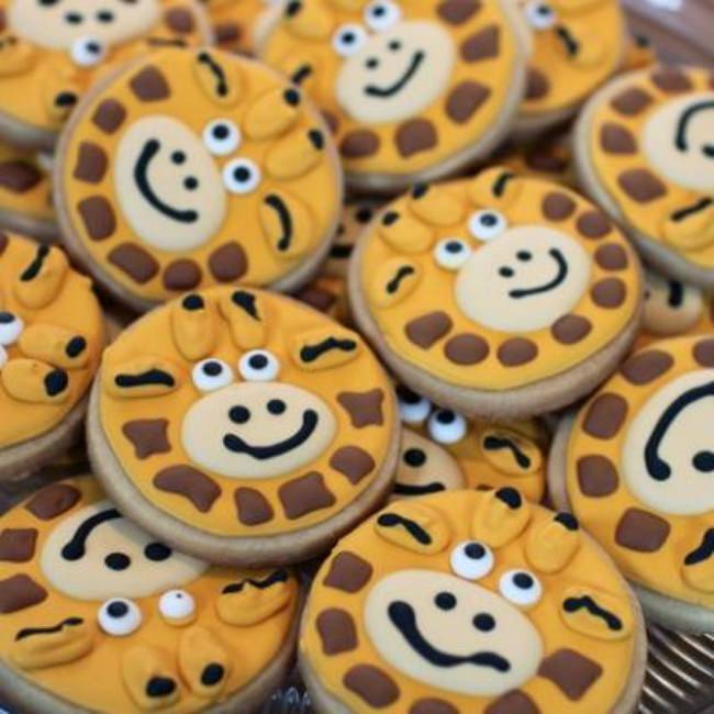 Giraffe Sugar Cookies {How-To}