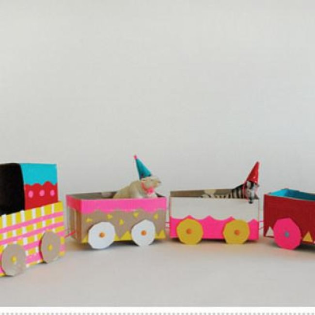 Tea Box Circus Train {DIY Toys}