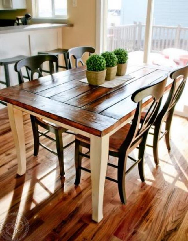 Farmhouse Table {refinishing table}