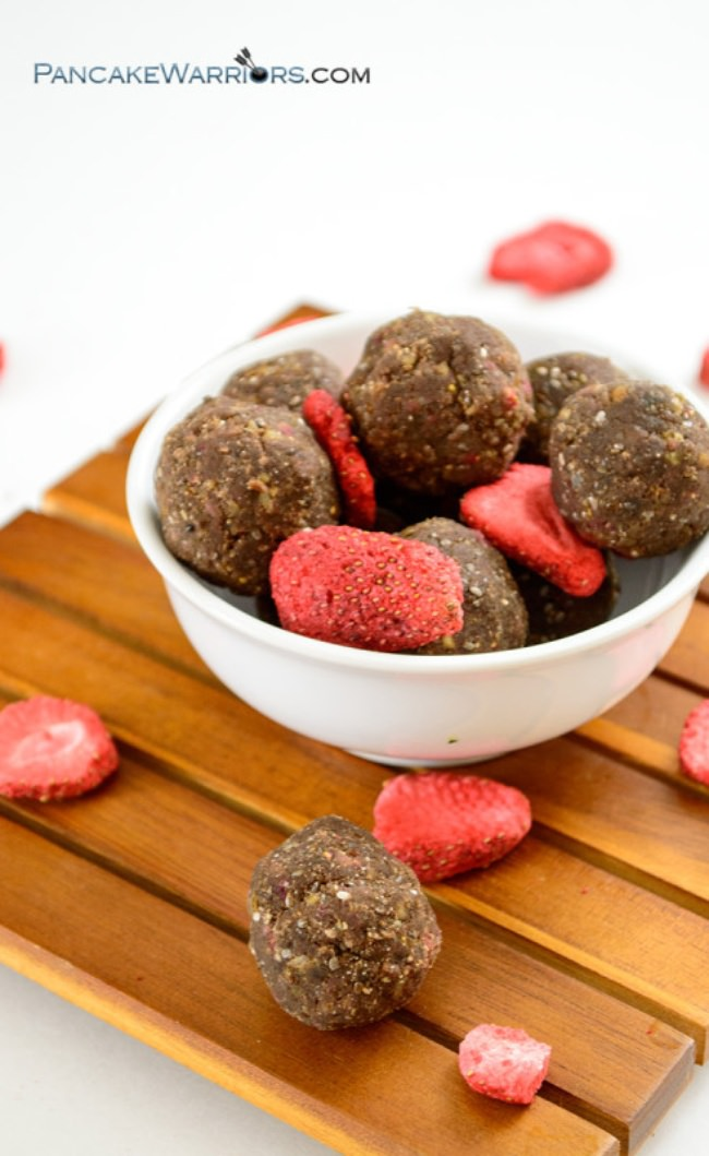 No Bake Chocolate Strawberry Energy Bites