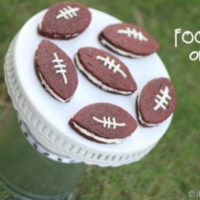 Homemade Football Oreos {Super Bowl}
