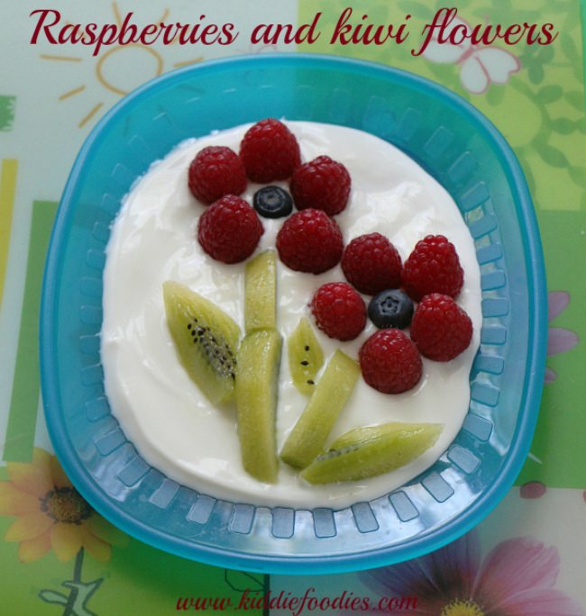 Raspberry and kiwi flowers - easy dessert