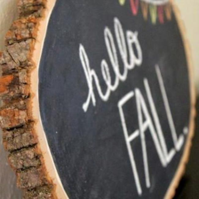 DIY Fall Wood Slice Chalkboard {decorating for fall}