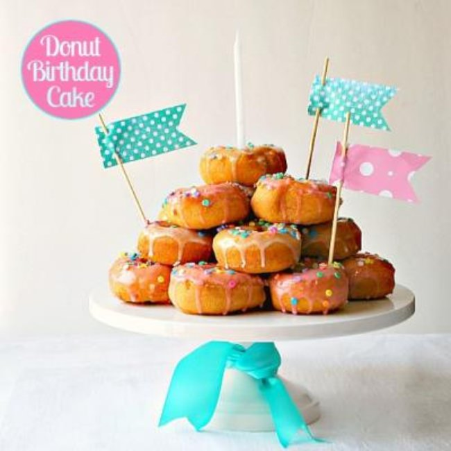 How to Make a Donut Birthday Cake {Cake Ideas}