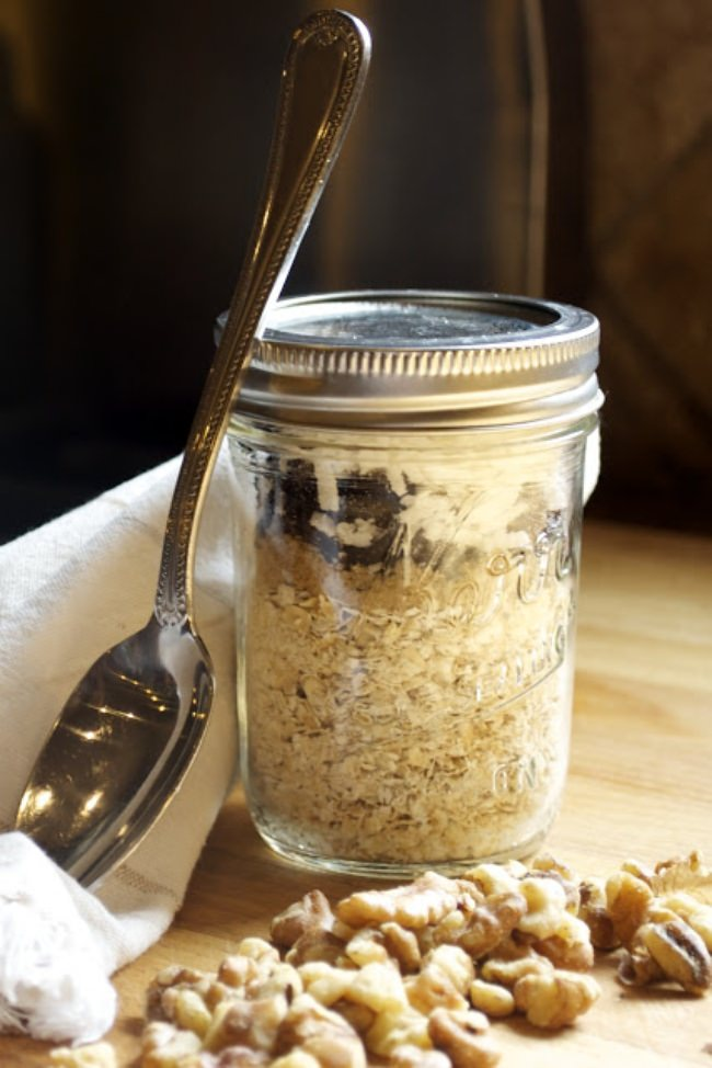 Homemade Instant Oatmeal in a Jar