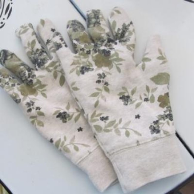 DIY Gardening Gloves {Gloves}