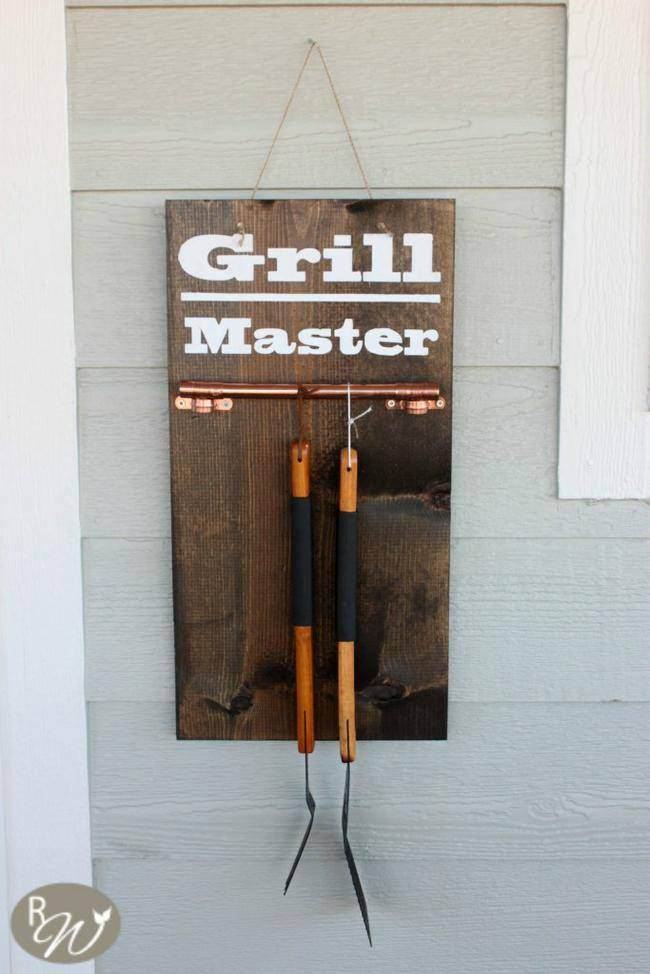 Hanging Grill Tool Display