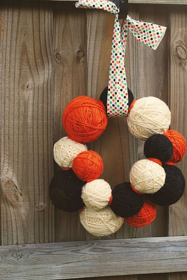 DIY Fall Yarn Ball Wreath