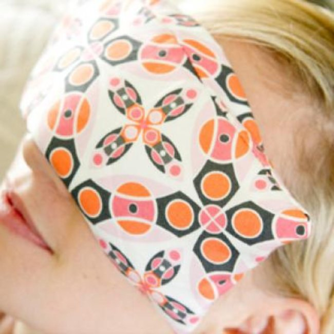 DIY Soothing Eye Pillow {Sleep}
