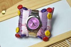 How to Make a Colorful Watch Pillow with Turquoise Beads