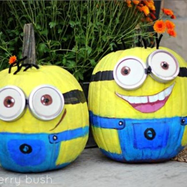 Minion Painted Pumpkins {pumpkin faces}