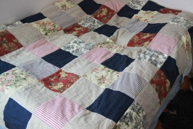 French Country Linen Quilt