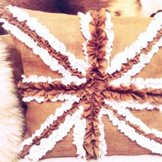 Union Jack Ruffled Pillow {tutorial}