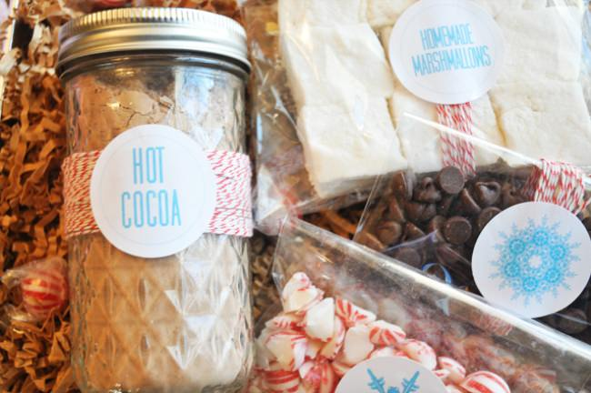 DIY Hot Cocoa and Marshmallow Labels {Homemade Printable Gift Ideas}