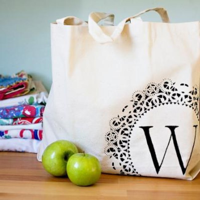 DIY Monogram Tote Bag {Totes}