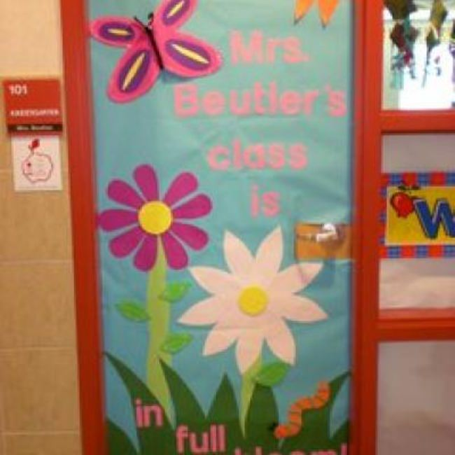 Teacher Appreciation – 7 Decorate a Door Ideas {Room Mom Ideas}