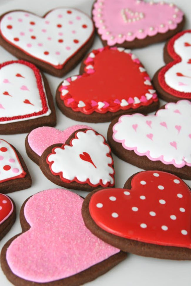 300 Lovely Valentine and Valentine's Day Crafts