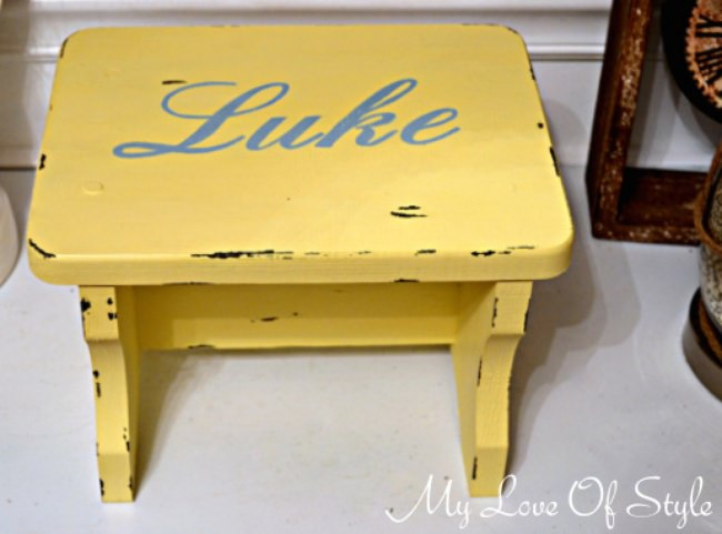 Easy Personalized Vintage Step Stool Tutorial