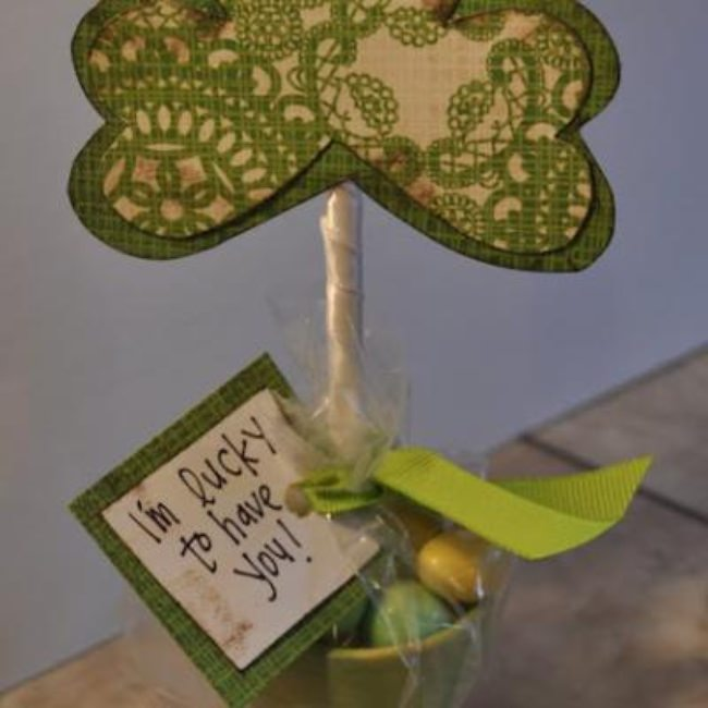 Shamrock Flower Pot Tutorial {Homemade Decorations}