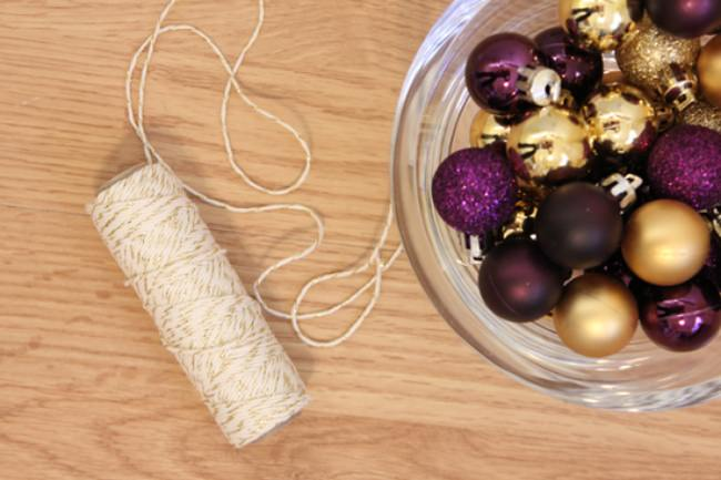 How to make a Christmas Bulb Garland