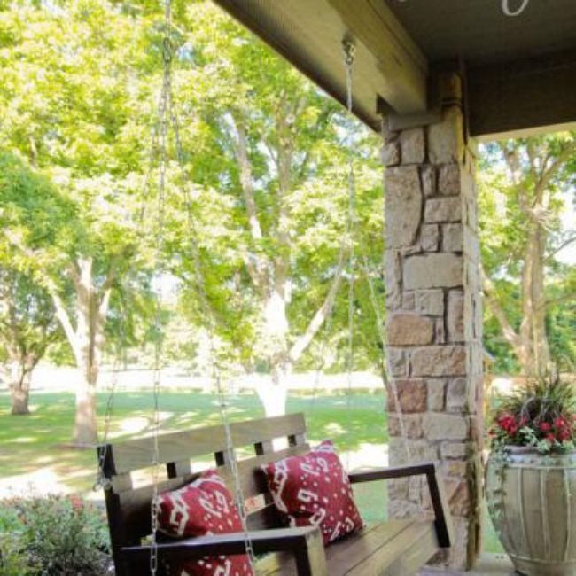 Porch Swing DIY {Outdoor Furniture}