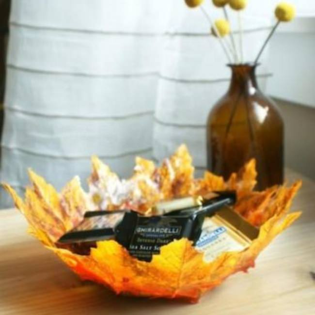 DIY Fall Leaf Bowl {fall crafts}
