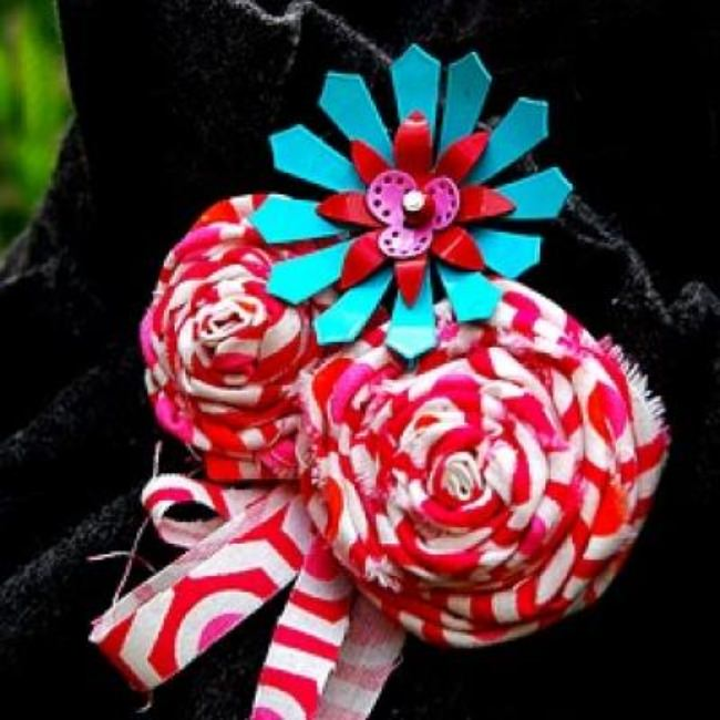 How to Make A Rolled Fabric Flower Brooch