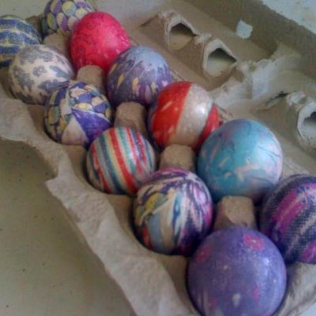 Silk Dyed Easter Eggs {Easter Eggs}