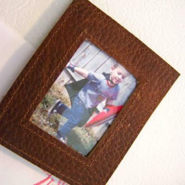 Fridge Magnet Leather Frames {Tutorial}