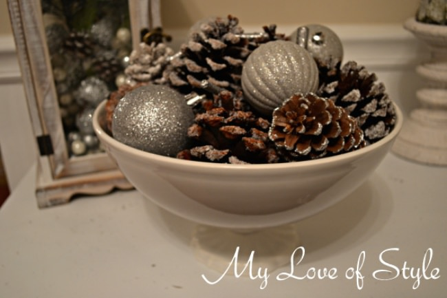 DIY Frosted Pine Cone Display