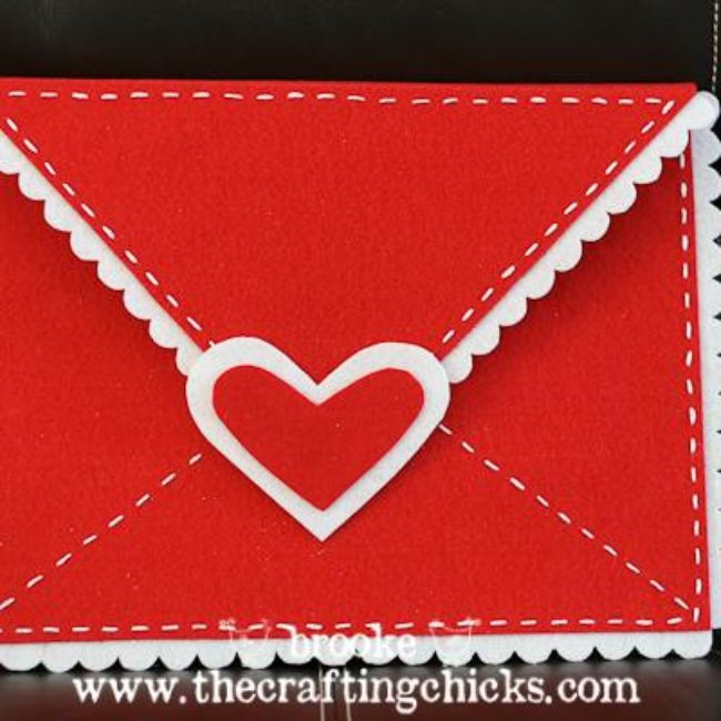 DIY Felt Valentine Envelopes {Homemade Valentine Boxes}